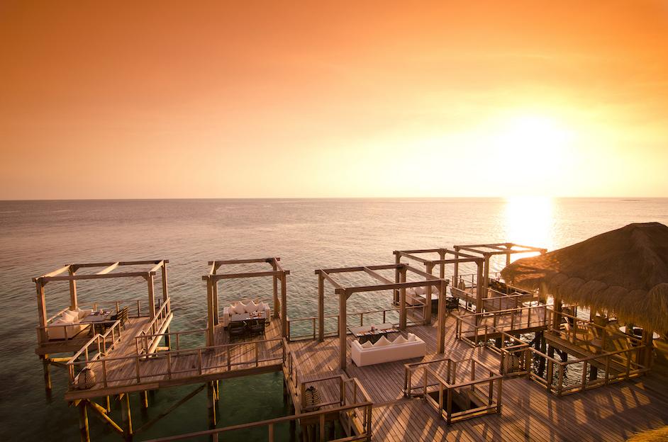 Jumeirah Vittaveli Sunset