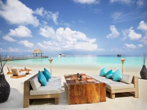 Jumeirah Vittaveli Bar and Grill