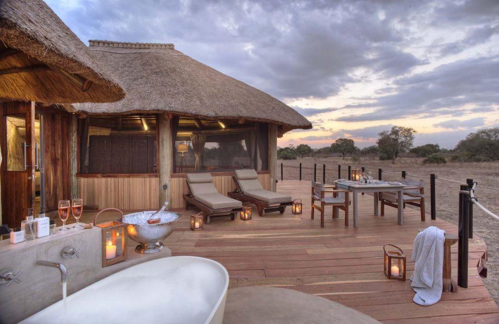 Lion Camp Zambia Deluxe Suite Bathroom