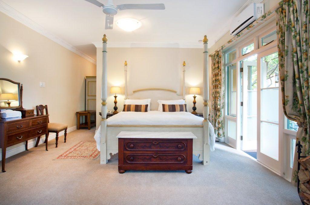 Franschoek Country House Bedroom (1)