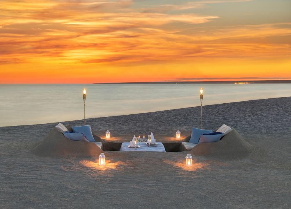 Beachside Dining Honeymoon Slider