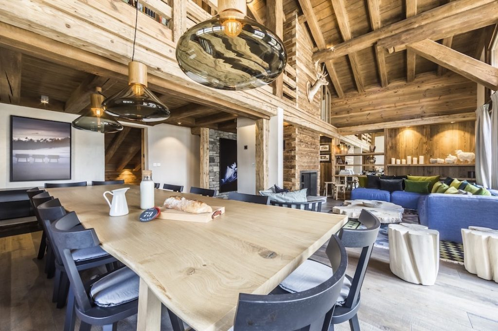 Val d'Isere Calistoga Banner Photo Dining