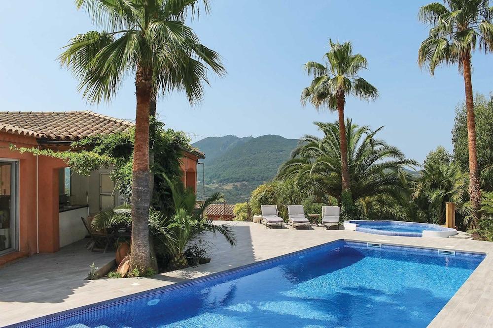 Villa La Mastaniere Pool