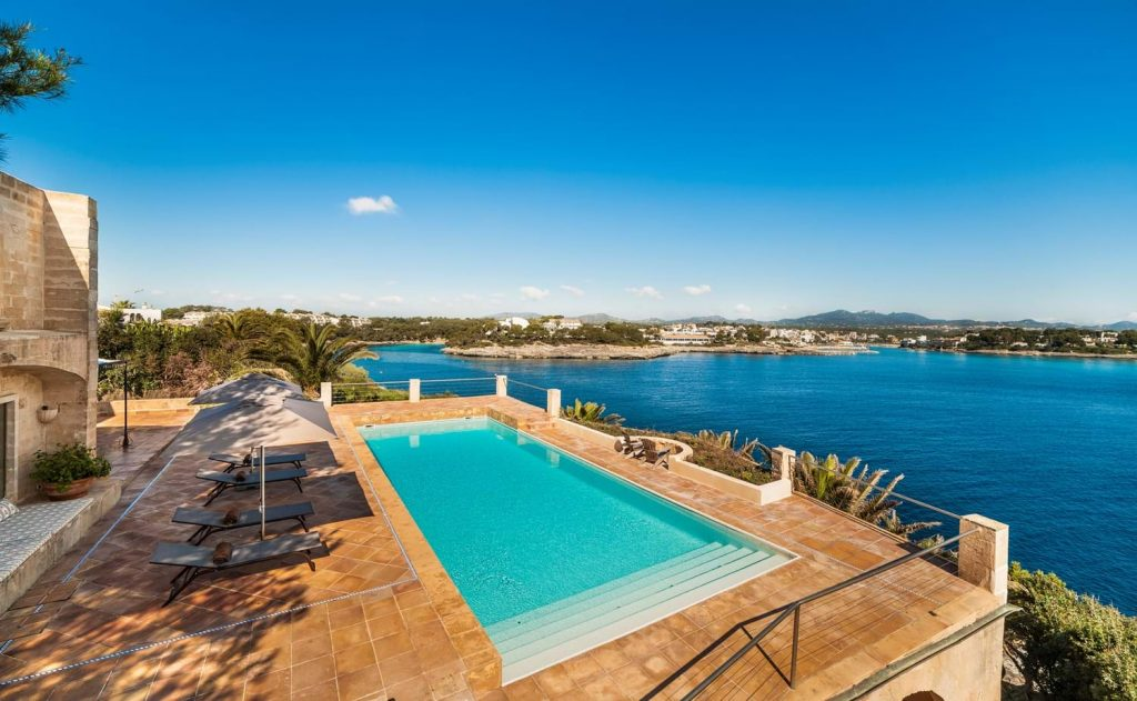 Villa Ca_n Roca Pool View