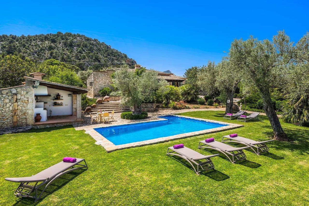 Villa Gallardo Swimming Pool