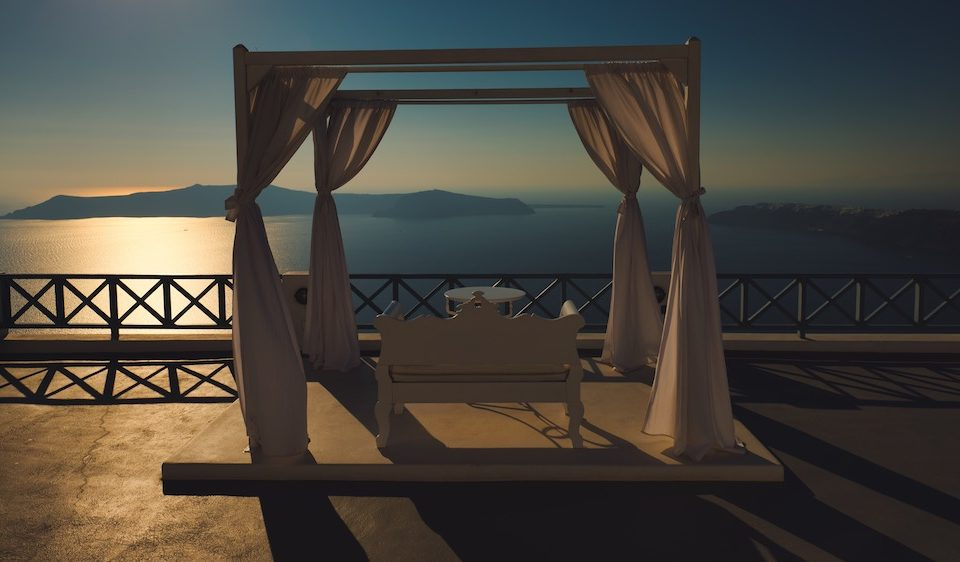 Santorini, from caldera view to hidden tavernas…
