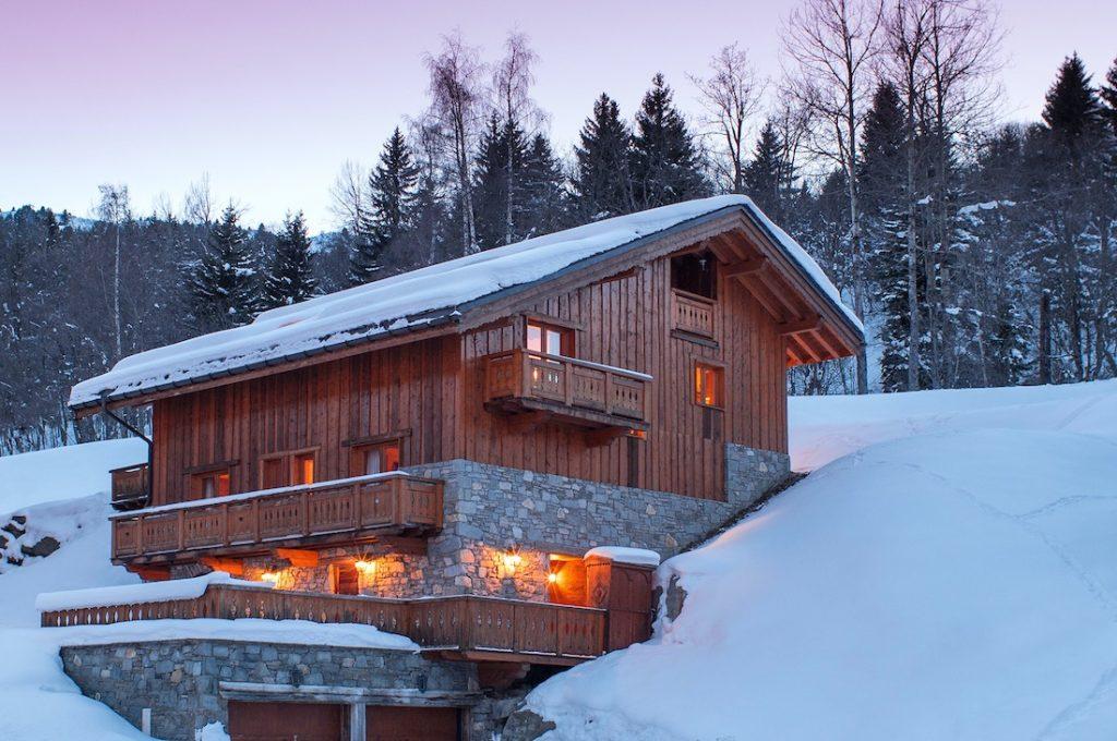 Taiga Lodge Exterior